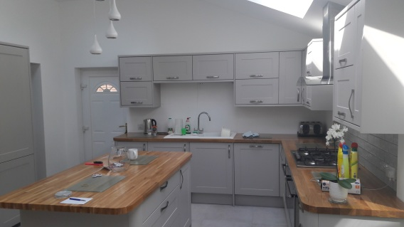 Image of a Bespoke Howdens Kitchen installed in Cuckfield